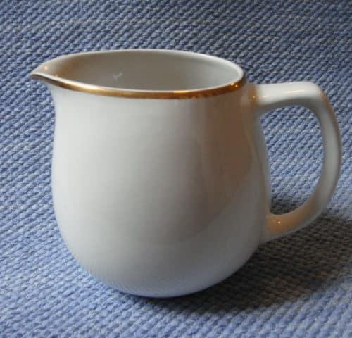 B-mallin maitokannu
