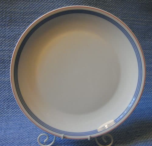 Domino Bistro lautanen