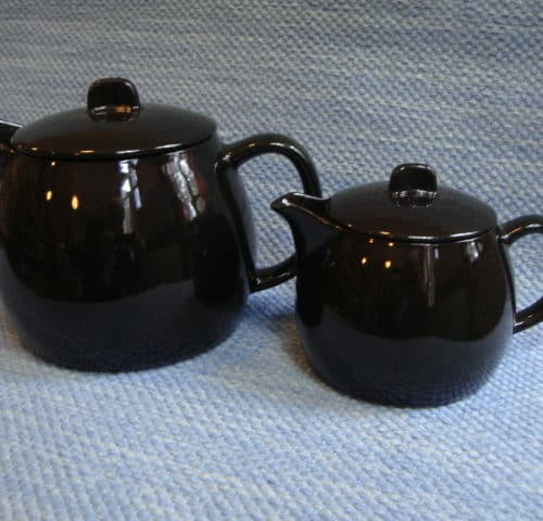KF-mallin tee-ja vesikannu