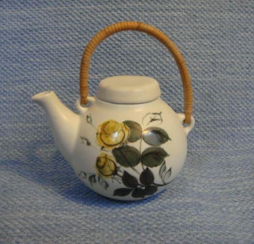 Kukka teekannu