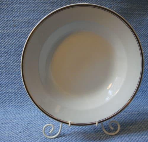 Kultaraita lautanen
