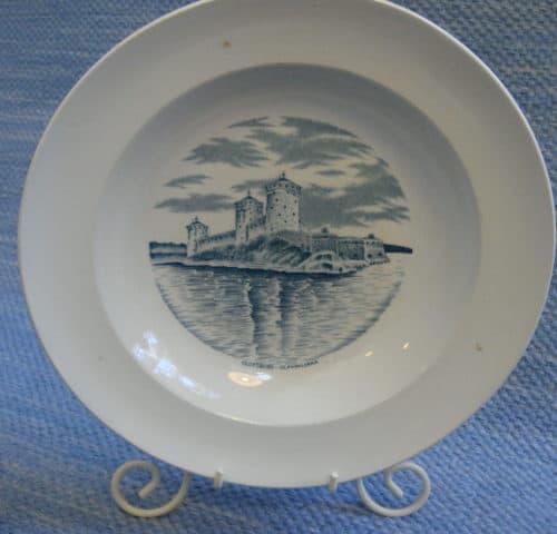 Linna lautaset