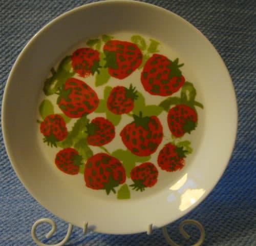 Mansikka lautanen