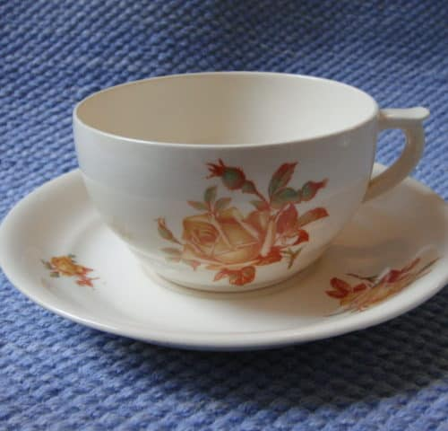ML-mallin teekuppi