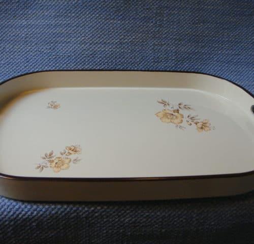 Myrna tarjotin