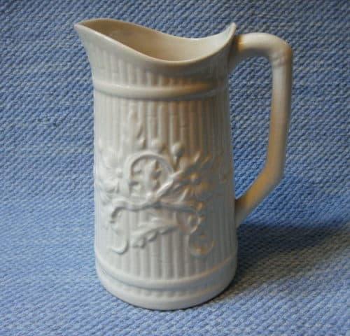 Noin 100 v. vanha Arabian maitokannu
