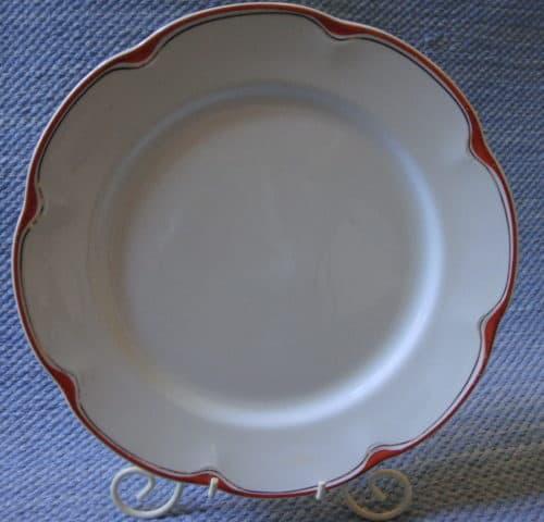 Punaemaljikulta lautanen