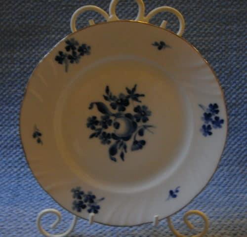 RE-mallin lautanen