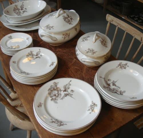 Ruoka-astiasto 30-luvulta