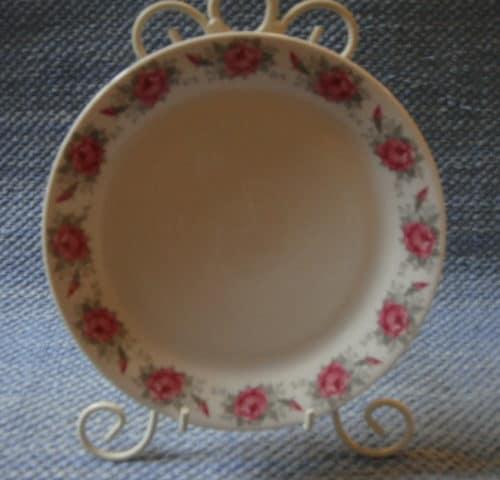 Ruusunen lautanen