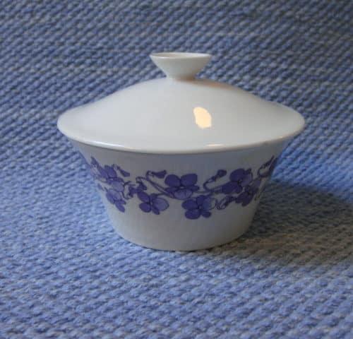 Viola sokerikko ja kermakko