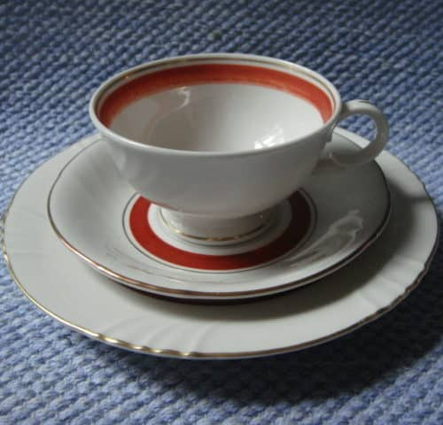 12 kpl RE-mallin kuppi+lautaset +varakuppi