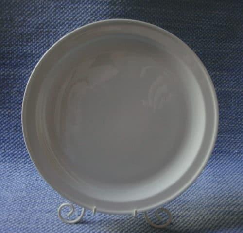 A-mallin valkoinen lautanen