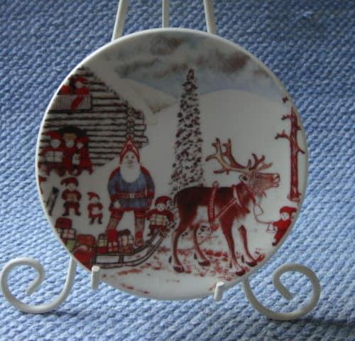 Joulupukki korvatunturilla. A. Alariesto