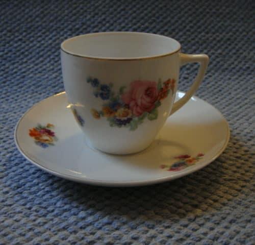 KF-mallin kahvikuppi