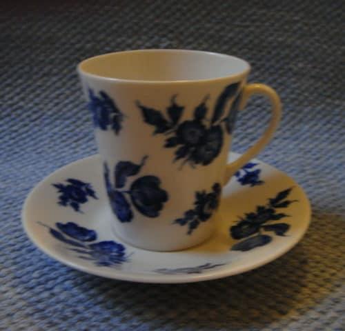 Kolme Ruusua kahvikuppi