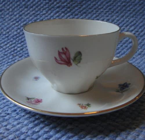 OZ-mallin kahvikuppi