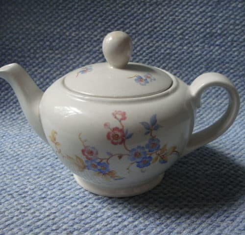R-mallin teekannu