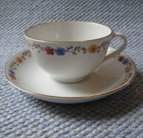 RA-mallin kahvikuppi