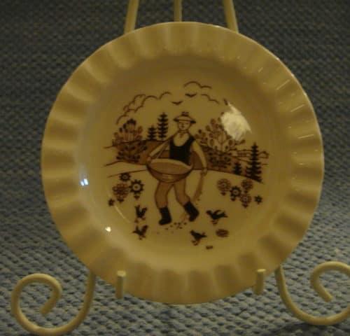 Raija Uosikkisen koristelautanen