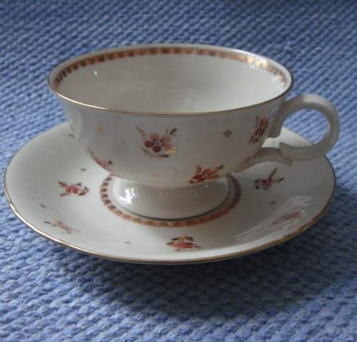 RE-mallin teekuppi