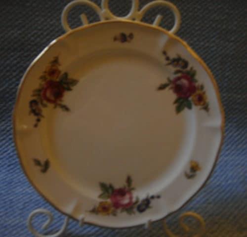 RI-mallin lautanen