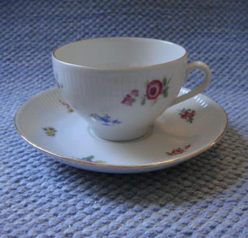 RN-mallin kahvikuppi