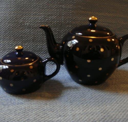Tee-ja vesikannu