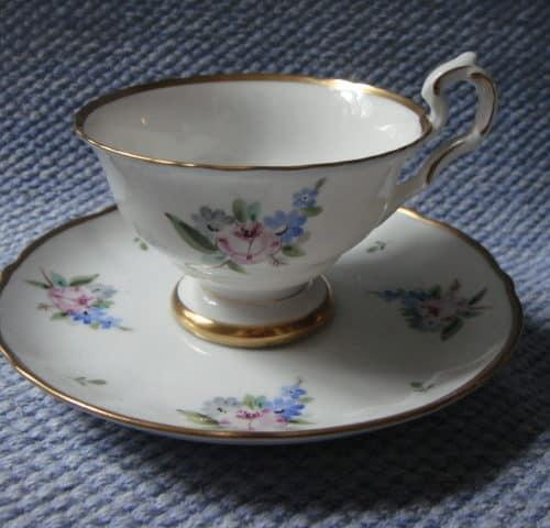YM-mallin kahvikuppi