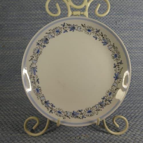 Käsinmaalattu lautanen