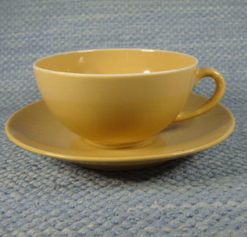 Ruskea teekuppi