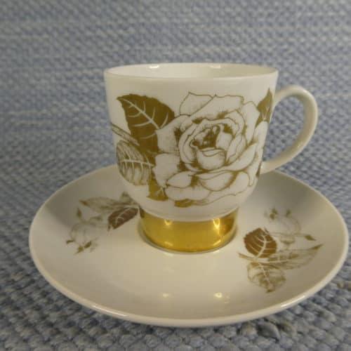 Kultaruusu kahvikuppi