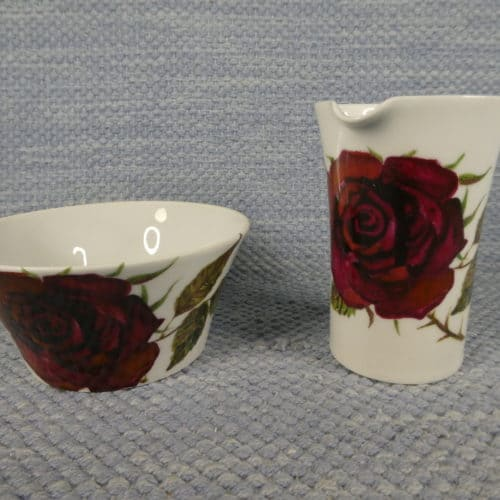 Ruusu sokerikko ja kermakko